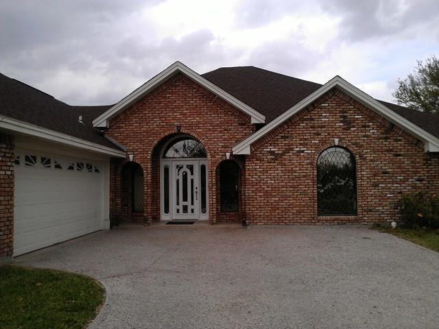 321 Ashley Drive, Pharr, TX 78577 (MLS #218465) :: The Deldi Ortegon Group and Keller Williams Realty RGV