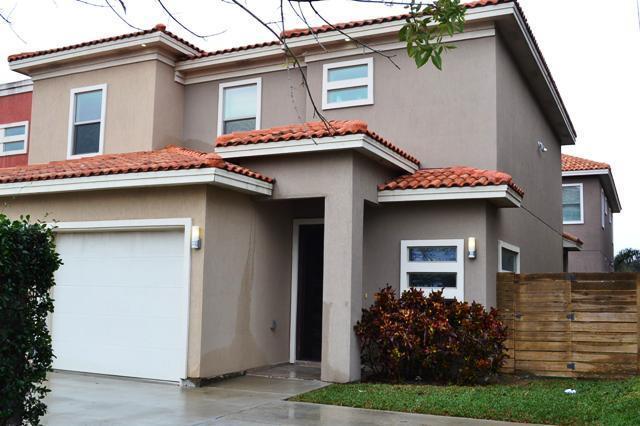 3016 S L Street #4, Mcallen, TX 78503 (MLS #219449) :: The Lucas Sanchez Real Estate Team