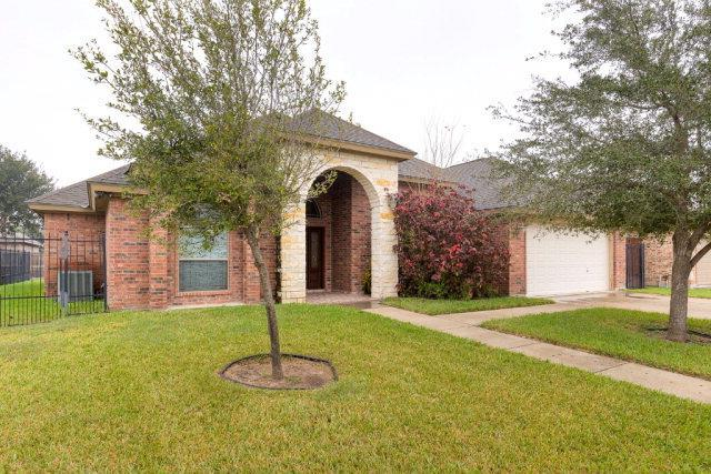 1413 E 28th Street, Mission, TX 78502 (MLS #219622) :: The Ryan & Brian Real Estate Team