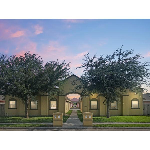 1802 W Bronze Avenue, Pharr, TX 78577 (MLS #219786) :: BIG Realty