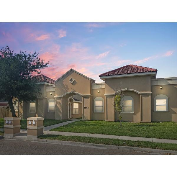 1705 W Douglas Street, Pharr, TX 78577 (MLS #219787) :: eReal Estate Depot