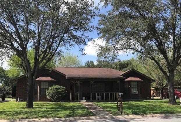 1304 W 3rd Street, Weslaco, TX 78596 (MLS #222208) :: The Maggie Harris Team