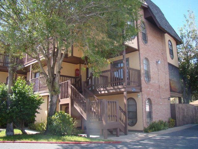 3509 N 23rd Lane N #101, Mcallen, TX 78501 (MLS #300626) :: The Lucas Sanchez Real Estate Team