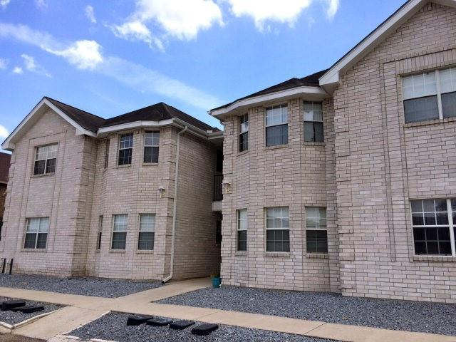 1800 Oasis Avenue #106, Mission, TX 78572 (MLS #300882) :: The Deldi Ortegon Group and Keller Williams Realty RGV