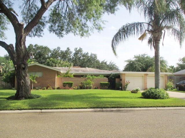 930 Fairway Drive, Edinburg, TX 78539 (MLS #302707) :: Berkshire Hathaway HomeServices RGV Realty