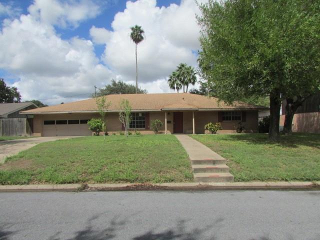 1418 Larkspur Avenue, Mcallen, TX 78501 (MLS #303838) :: The Maggie Harris Team