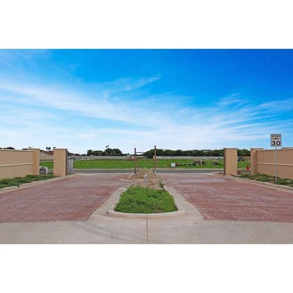 55 Del Rio Drive, Mcallen, TX 78503 (MLS #304761) :: The Ryan & Brian Real Estate Team