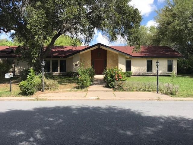 115 E Whitewing Drive, Mcallen, TX 78501 (MLS #305094) :: Jinks Realty