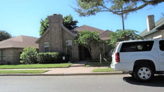 4705 N 5th Street N, Mcallen, TX 78504 (MLS #305165) :: The Deldi Ortegon Group and Keller Williams Realty RGV