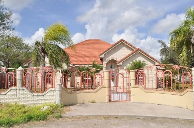 1303 Ridge Loop, Palmview, TX 78572 (MLS #305231) :: The Lucas Sanchez Real Estate Team