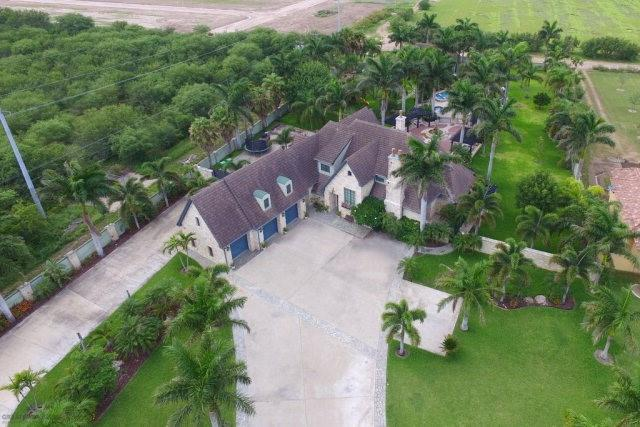 1004 W Inspiration Drive, Pharr, TX 78577 (MLS #305775) :: The Ryan & Brian Real Estate Team