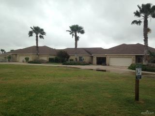 56 Augusta Drive W, Laguna Vista, TX 78578 (MLS #307290) :: The Maggie Harris Team