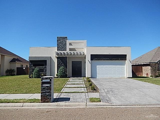 103 River Valley Street, Rio Grande City, TX 78582 (MLS #310888) :: The Lucas Sanchez Real Estate Team