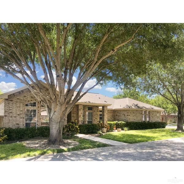 1034 Hill Country Drive, Edinburg, TX 78539 (MLS #311694) :: HSRGV Group
