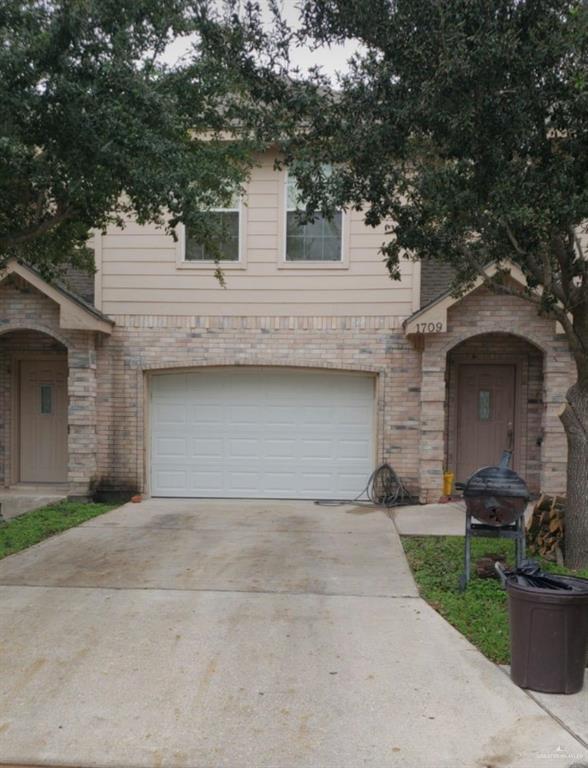 1709 Phoenix Street, Edinburg, TX 78541 (MLS #311845) :: The Lucas Sanchez Real Estate Team