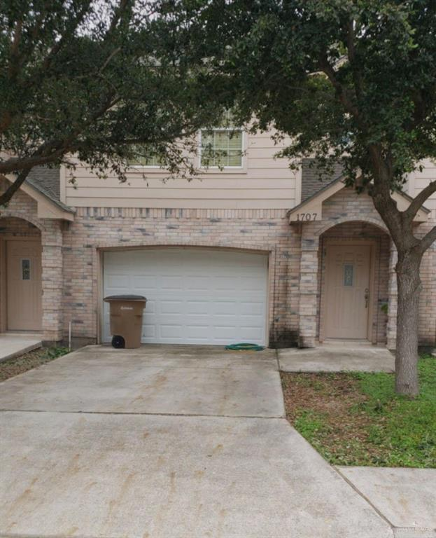 1707 Phoenix Street, Edinburg, TX 78541 (MLS #311854) :: The Lucas Sanchez Real Estate Team