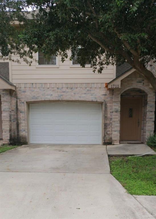 1711 Phoenix Street, Edinburg, TX 78541 (MLS #311856) :: The Lucas Sanchez Real Estate Team