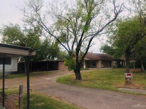 2216 S Mccoll Road, Edinburg, TX 78539 (MLS #314317) :: Rebecca Vallejo Real Estate Group