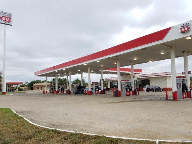 410 N International Boulevard, Hidalgo, TX 78557 (MLS #317000) :: Jinks Realty