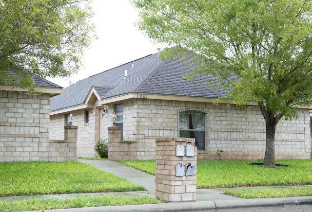 1001 S Palm Drive, Pharr, TX 78577 (MLS #317517) :: The Ryan & Brian Real Estate Team