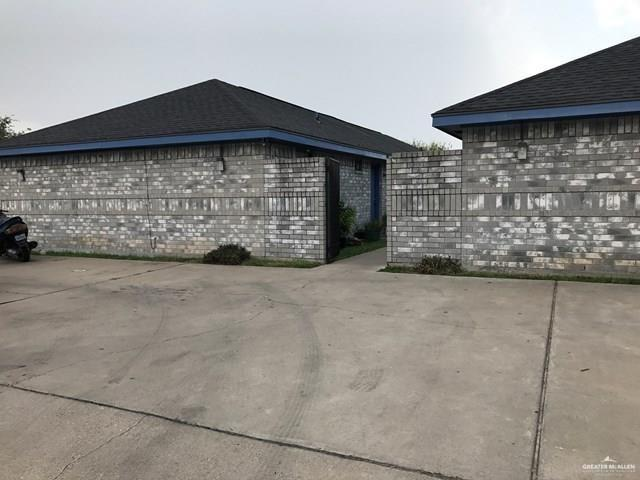 2801 N 30th Street, Mcallen, TX 78501 (MLS #318396) :: The Ryan & Brian Real Estate Team