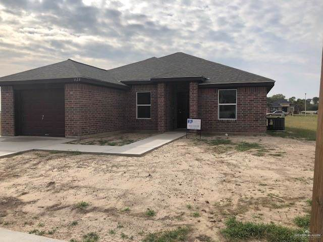 424 Blue Sky Drive, Rio Grande City, TX 78582 (MLS #325172) :: Realty Executives Rio Grande Valley
