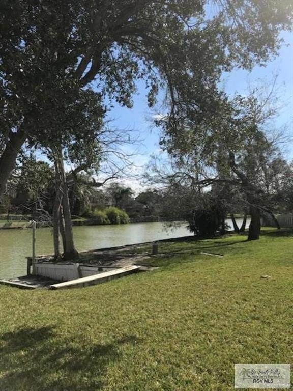 2930 Emerald Lake Drive, Harlingen, TX 78550 (MLS #330198) :: Key Realty