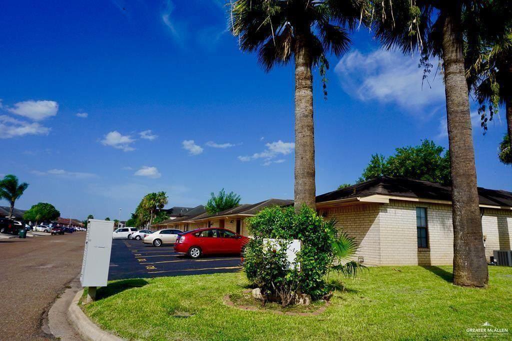 1713 Oasis Avenue - Photo 1