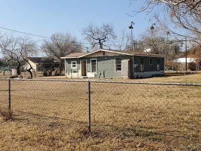 110 W Moore Road, Edcouch, TX 78538 (MLS #352955) :: The Lucas Sanchez Real Estate Team