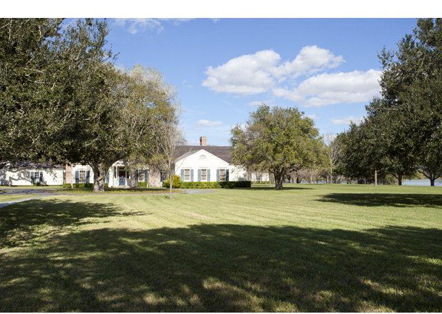 1220 N Lion Lake Drive, Weslaco, TX 78596 (MLS #193476) :: The Ryan & Brian Real Estate Team