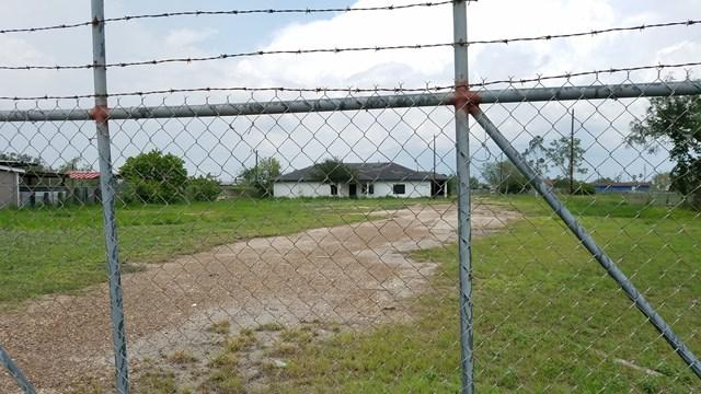 635 W Edinburg Avenue, Elsa, TX 78543 (MLS #196048) :: The Lucas Sanchez Real Estate Team