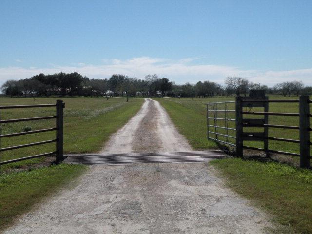 411 E Cr 412, Falfurrias, TX 78355 (MLS #200922) :: The Ryan & Brian Real Estate Team