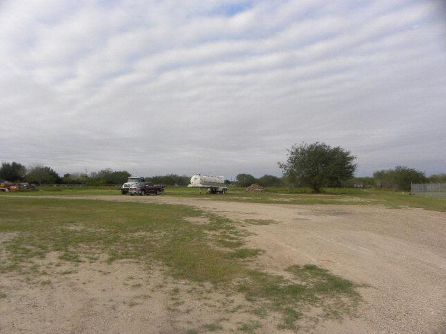 1307 W Expressway 83, Penitas, TX 78576 (MLS #202194) :: The Lucas Sanchez Real Estate Team