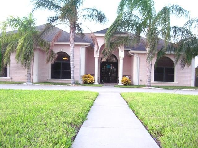 1903 Paradise Circle, Palmhurst, TX 78573 (MLS #211948) :: The Deldi Ortegon Group and Keller Williams Realty RGV