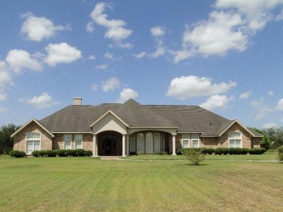 1000 Agar Lane, San Benito, TX 78586 (MLS #214417) :: The Lucas Sanchez Real Estate Team