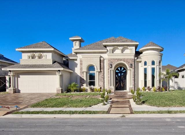 2309 Elbrus Avenue, Edinburg, TX 78542 (MLS #214904) :: The Lucas Sanchez Real Estate Team