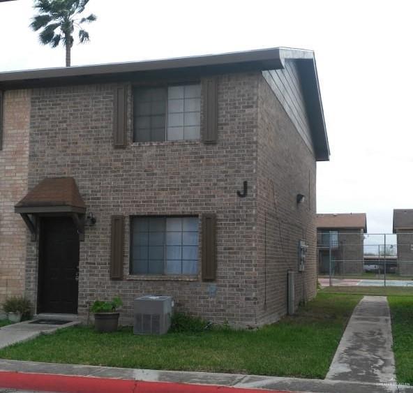 2201 S Jackson Road S 8J, Pharr, TX 78577 (MLS #309403) :: The Ryan & Brian Real Estate Team