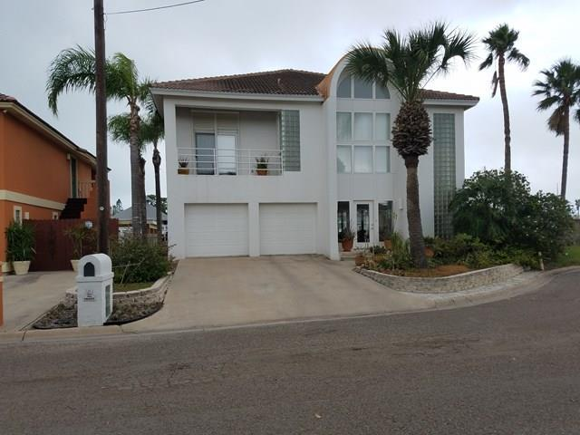 914 Trout Avenue, Port Isabel, TX 78578 (MLS #217081) :: Top Tier Real Estate Group