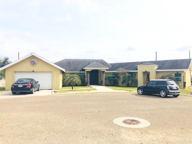200 S Las Comas Street S, Rio Grande City, TX 78582 (MLS #307829) :: The Ryan & Brian Real Estate Team