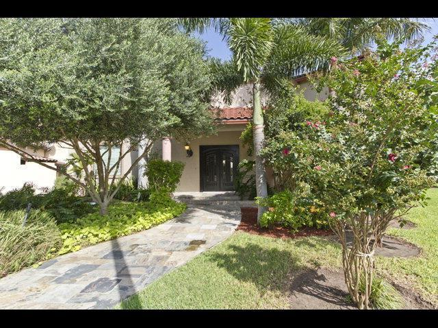 606 S 1st Lane, Mcallen, TX 78501 (MLS #186120) :: Jinks Realty
