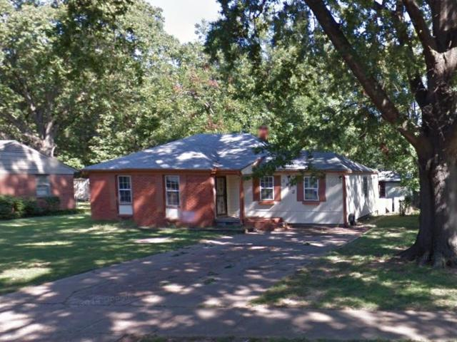 3182 Clarendon Rd, Memphis, TN 38118 (#10006238) :: The Wallace Team - RE/MAX On Point
