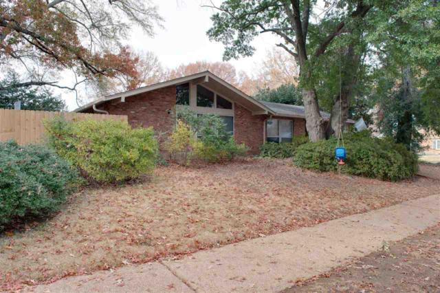 5209 Peg Ln, Memphis, TN 38117 (#10016841) :: Berkshire Hathaway HomeServices Taliesyn Realty