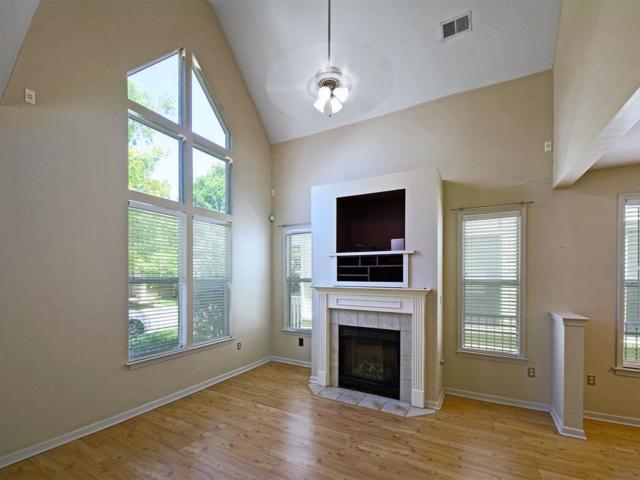 1328 Island Town Dr, Memphis, TN 38103 (#10029767) :: Berkshire Hathaway HomeServices Taliesyn Realty
