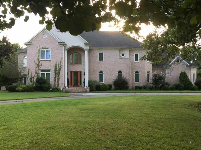5017 Le Chateau Cv, Unincorporated, TN 38125 (#10034071) :: The Melissa Thompson Team