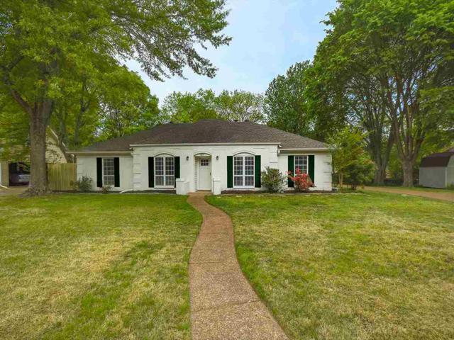 2815 Hacks Cross Rd, Germantown, TN 38138 (#10051036) :: The Wallace Group - RE/MAX On Point