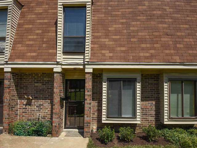 1896 E Poplar Woods Cir #2, Germantown, TN 38138 (#10068677) :: RE/MAX Real Estate Experts
