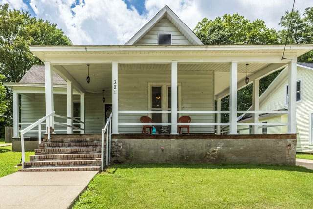 301 Maple St, Covington, TN 38019 (MLS #10080365) :: Gowen Property Group | Keller Williams Realty