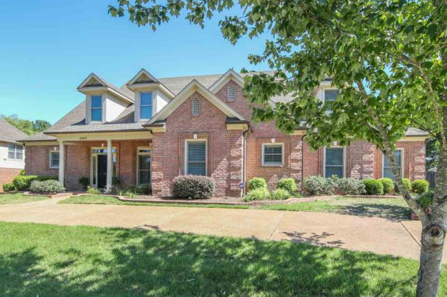 1842 Hartwell Manor Dr N, Collierville, TN 38017 (#10028758) :: The Melissa Thompson Team