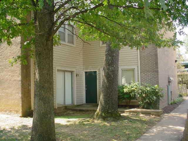 1718 Ridge Oak Pl #1718, Memphis, TN 38120 (#10015805) :: The Wallace Team - RE/MAX On Point