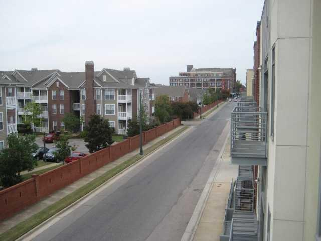 614 Tennessee St #201, Memphis, TN 38103 (#10017552) :: The Wallace Team - RE/MAX On Point